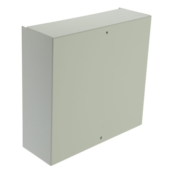 Hybrid control panel expandable to 30 zones in a larger box